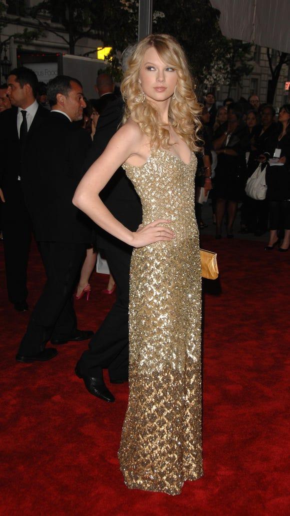 Taylor Swift\'s Met Gala look is... scaly?