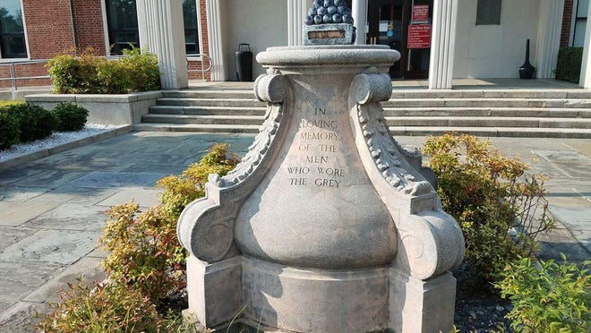 An petition drive is under way seeking to have a Confederate monument located in front of the Onslow County Courthouse removed.