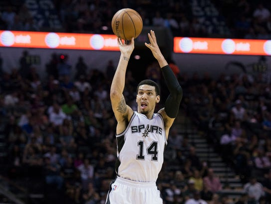 San Antonio Spurs guard Danny Green shoots during the