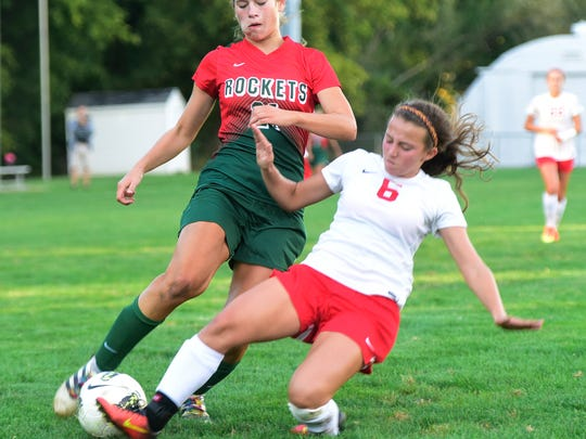 Oak Harbor beats Huron 1-0 girls soccer.