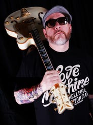 Rapper-singer Everlast will perform his solo hits and