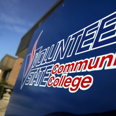 Volunteer State Community College will ban the use of tobacco and electronic-cigarettes on its campus in 2016.