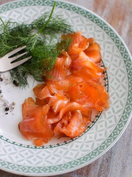 Food DIY Gravlax_Atzl-1.jpg