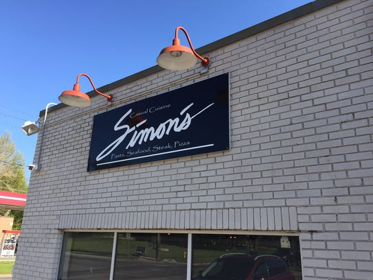 The outside of Simon's doesn't scream can't-miss dinner