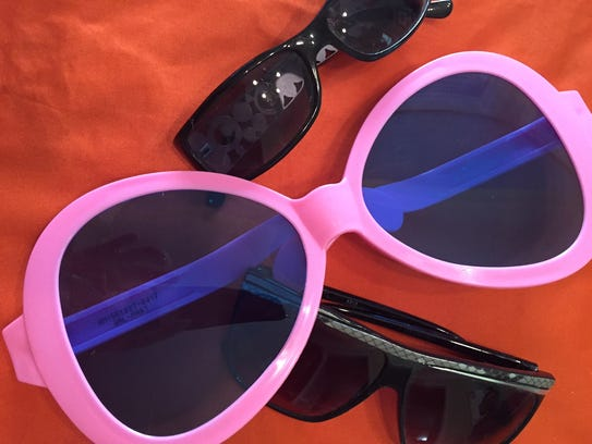 Ordinary sunglasses aren't safe to use and look at