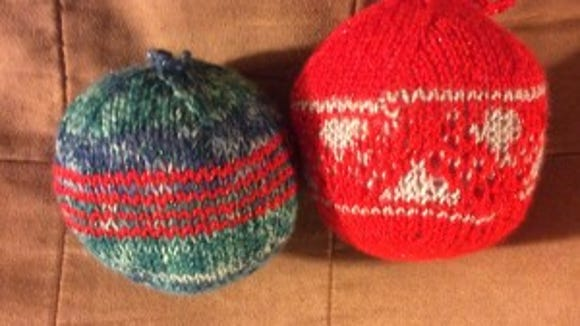 I finished these two ornaments on Tuesday. Now I have nine.