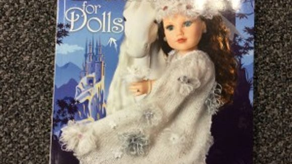 """Nicky's """"Enchanted knits for dolls"""" threatens my whole equilibrium on this blog"""
