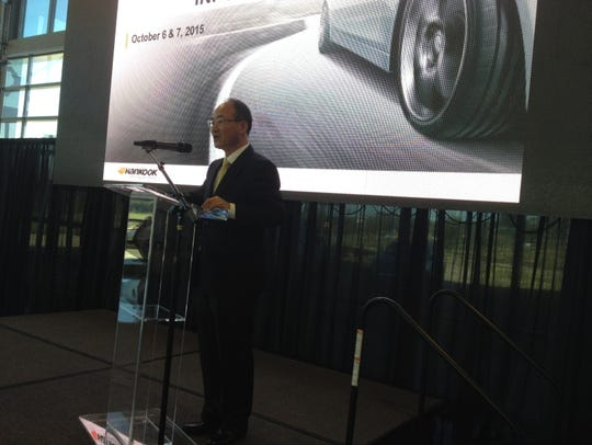 Hankook President Rocky Yoon greets the first wave