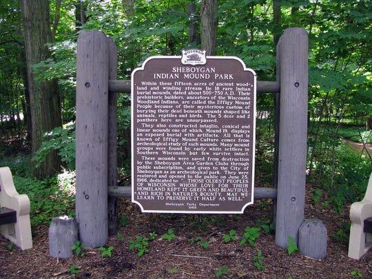 Indian Mounds Park sign