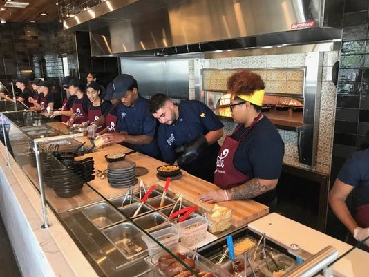Grate Mac and Cheese opens in Whitestone Station
