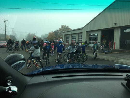 About 280 Aumsville Elementary School students gathered
