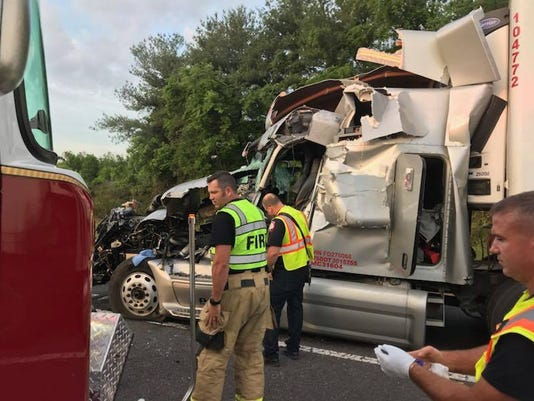 636626750314224907-semi-crash-2.jpg