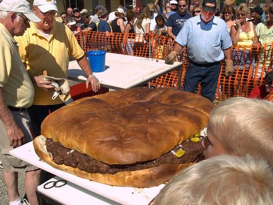 foodfest10-burger fest giant burger