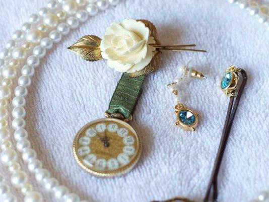 repurposedjewelry.jpg