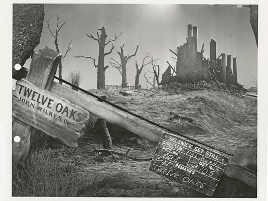 """A still of the Twelve Oaks in ruins set from """"Gone With the Wind."""""""