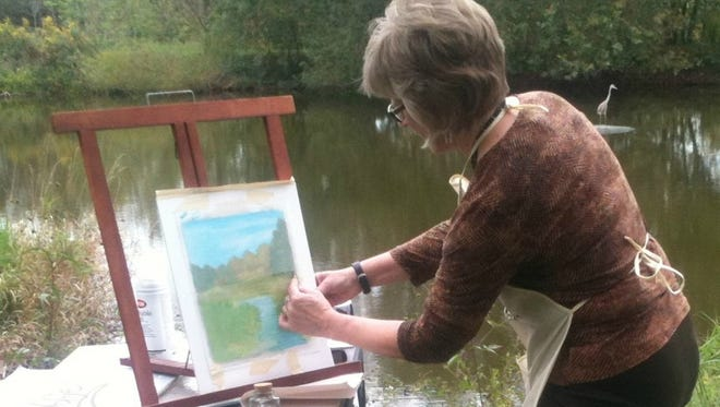 Local artist Amy Lindenberger will instruct a two-day plein-air colored pencil class in Gettysburg.