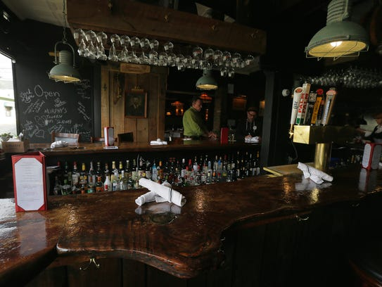 Russell bette 39 s brings new flavor to rumson for Food bar russell