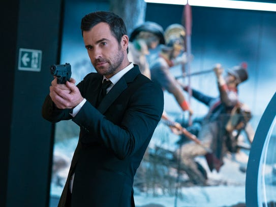 Justin Theroux plays Drew, a spy who draws his ex-girlfriend