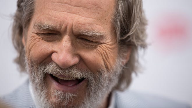 Jeff Bridges laughs at the Red Carpet on Kentucky Derby Day. May 6, 2017.
