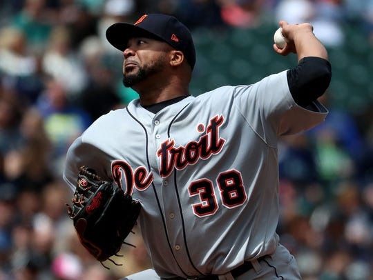 Francisco Liriano pitches against the Mariners in the fifth inning Sunday.