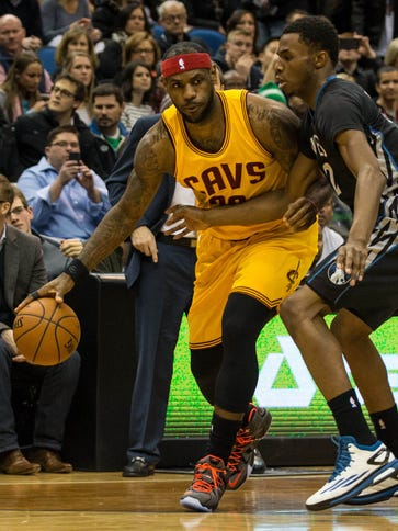 LeBron James outscored Andrew Wiggins 36-33 as the