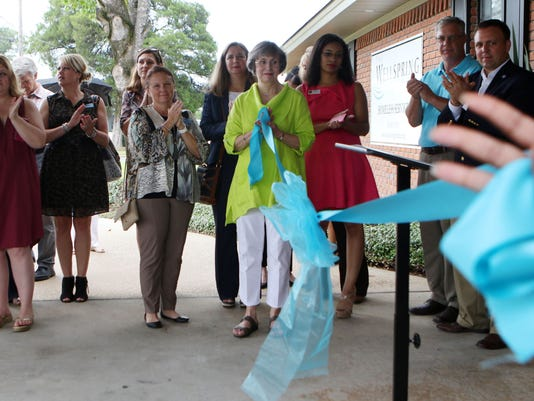 636052227862025546-RibbonCutting1.jpg