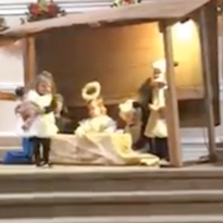Kids fight over baby Jesus in viral East Tennessee Nativity scene video