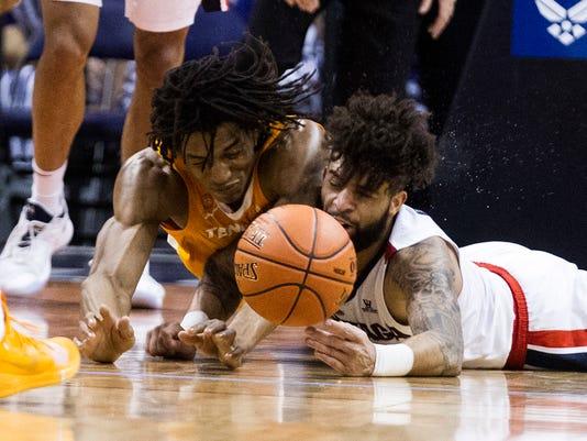 Tennessee_Gonzaga_Basketball_57925.jpg