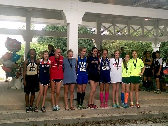 Saint James School Girls Cross Country Competitors at Tiger Classic in Auburn.