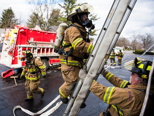 1-HES-SD-01162016-firefighting-training-3.jpg