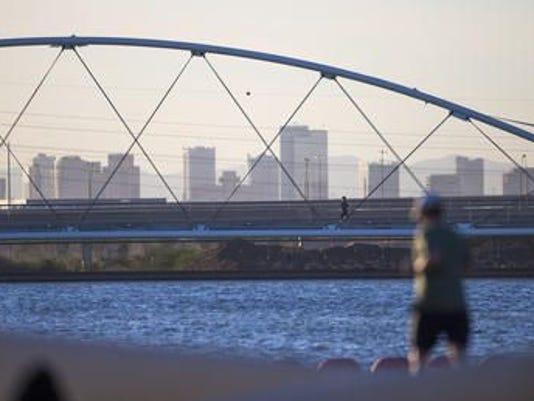 635659356439687585-Phoenix-air-pollution