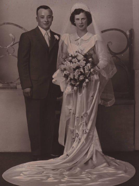 -DCA 0920 DuBois wedding then.jpg_20140918.jpg