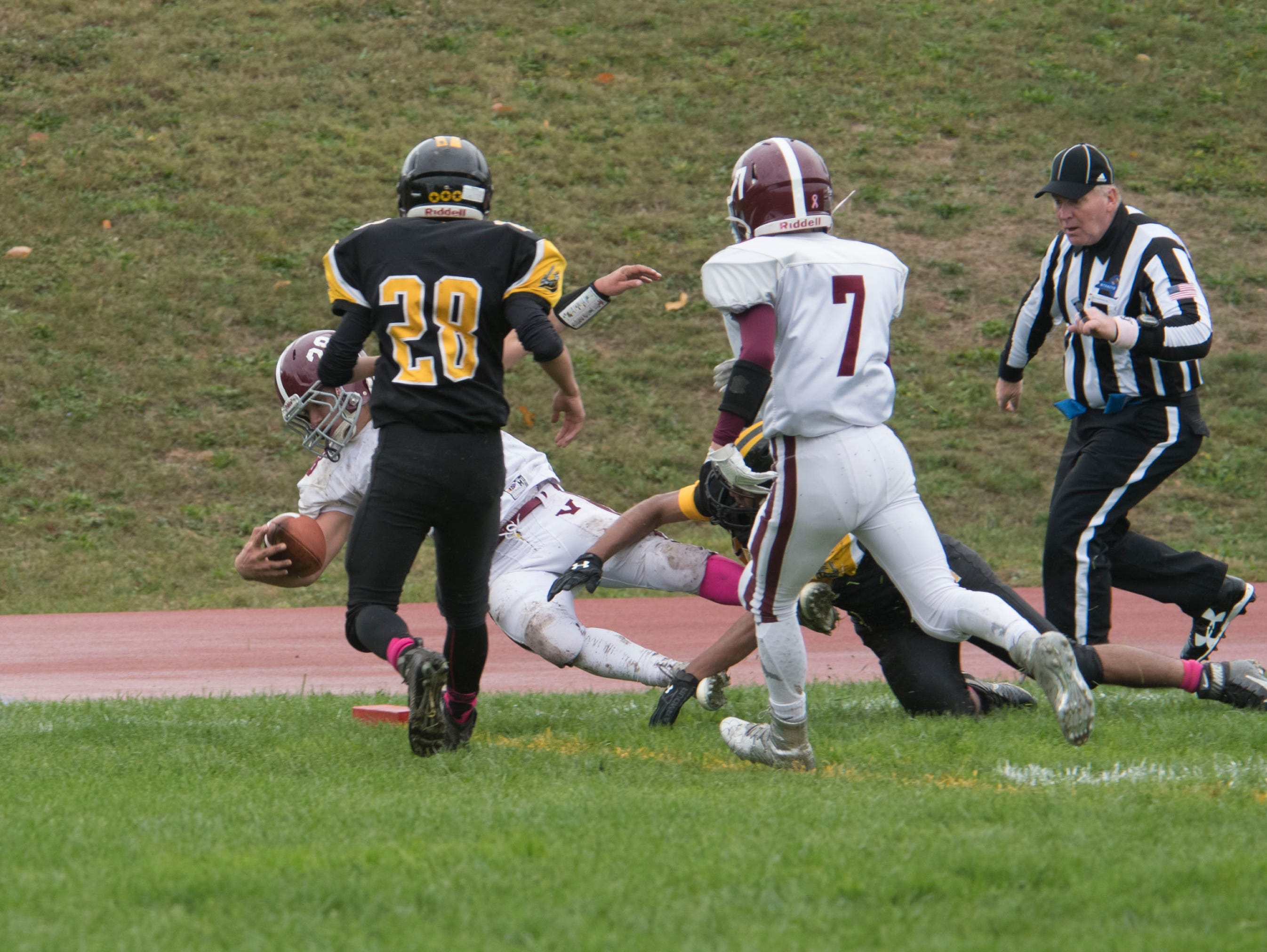 The Valhalla Vikings beat the Nanuet Golden Knights 22-21 in Nanuet on Saturday