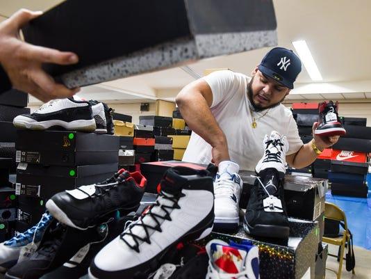 1-LDN-JML-021917-sneakers