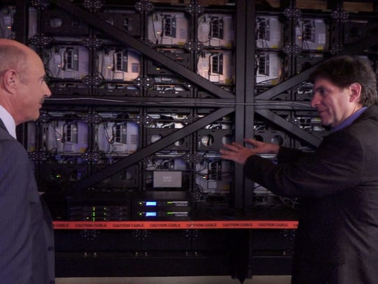 TV's Dr. Phil McGraw shows Jefferson Graham the back