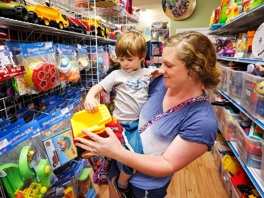 LAF Local Toys stores vs Toys r Us