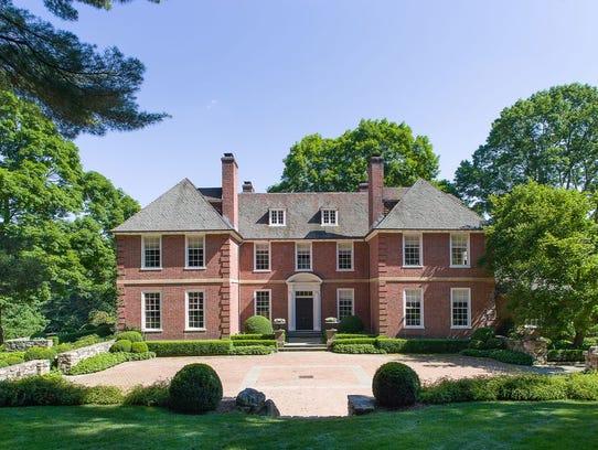 A Mott Schmidt designed home in South Salem was built