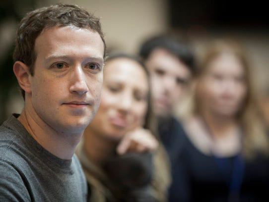 Over the weekend, U.S. and British lawmakers and privacy activists slammedFacebook, with some demanding that Facebook chief executive Mark Zuckerberg personally appear at legislative hearings.