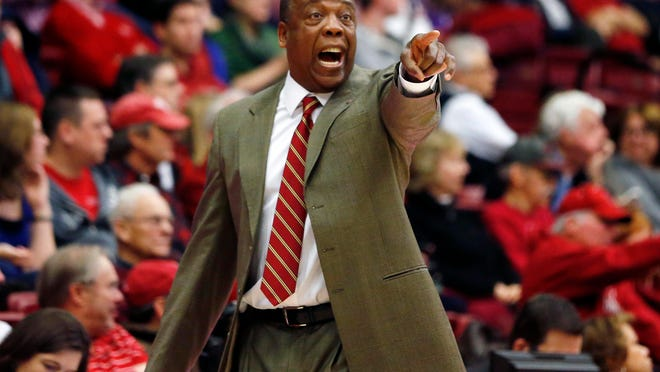 Jan 2, 2015; Stanford, CA, USA; Washington State Cougars head coach Ernie Kent signals to his team from the sidelines during the first half against the Stanford Cardinal at Maples Pavilion. Mandatory Credit: Bob Stanton-USA TODAY Sports