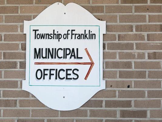 -Franklin Township carousel 04.jpg_20140626.jpg