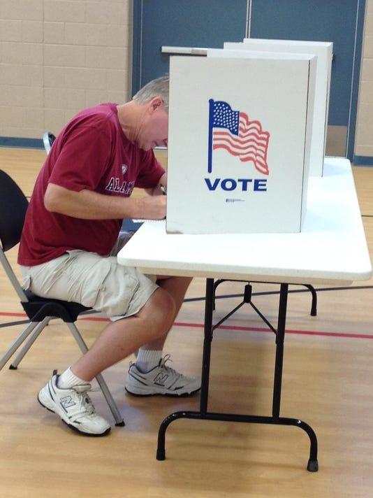 -PTHBrd_09-20-2012_PTH_1_A007~~2012~09~19~IMG_VOTING_PHOTO.jpg_1_1_OO29OMSQ~.jpg