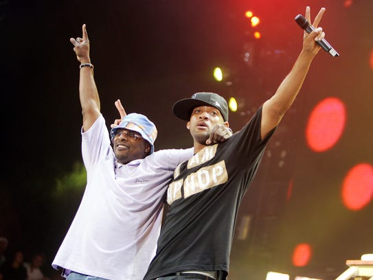 Will Smith (right) and DJ Jazzy Jeff perform in Anaheim,