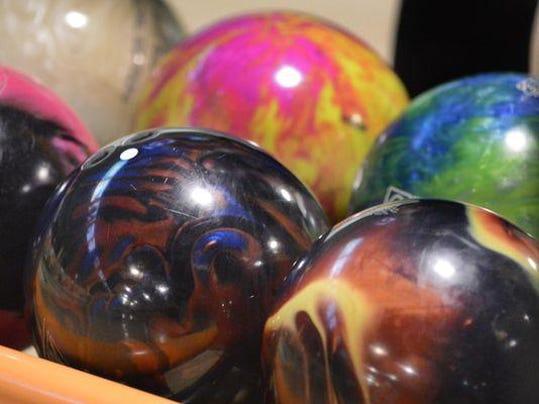 0322 bowling pic