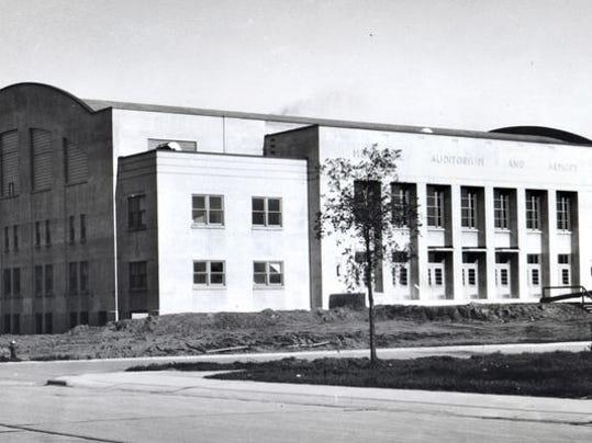 sheboyganarmorycirca1942.jpg