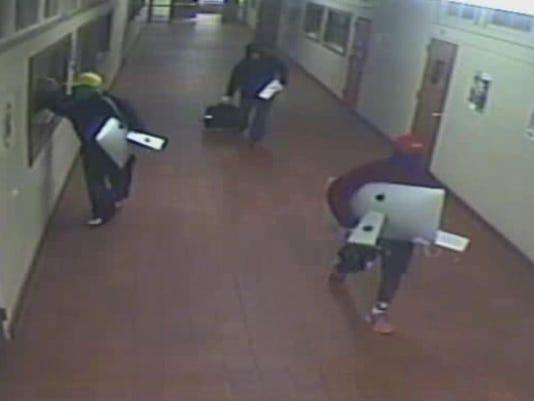 636082422573320090-Suspects-006.jpg