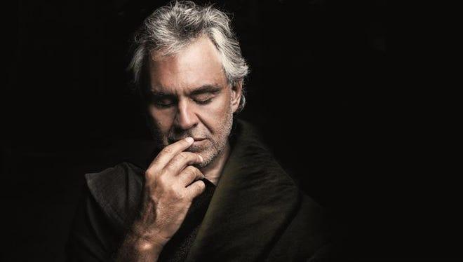 """El tenor italiano Andrea Bocelli le agradeció a su """"gran familia latina"""" en una entrevista con Efe las tres nominaciones recibidas para los premios Grammy Latino 2016 y comparó la emoción que sintió al enterarse con una """"fiesta sorpresa""""."""