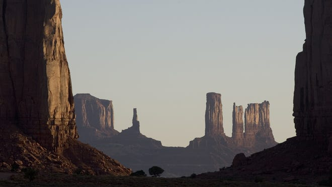 The natural beauty in Monument Valley is breathtaking.