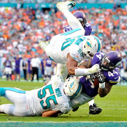 PHOTOS: Vikings lose to Dolphins in Miami