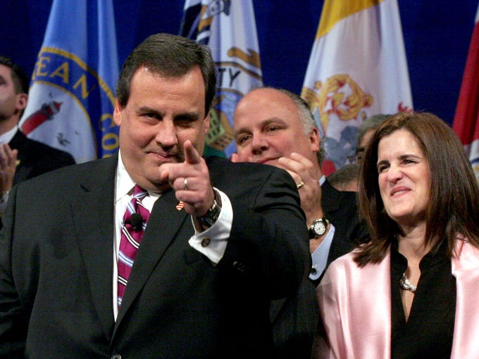 Governor Chris Christie reacts to applause at the War