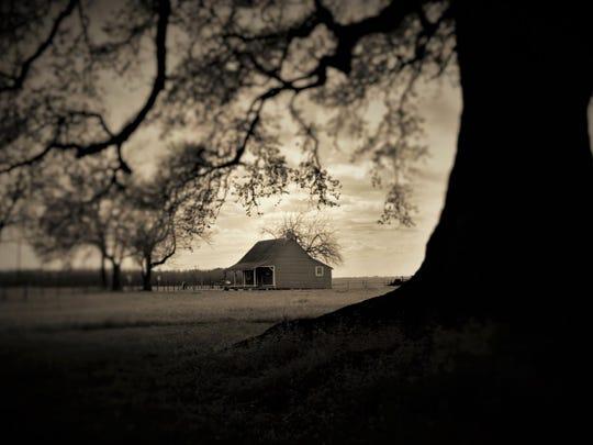"Melanie Parent's ""A Distance Nearer Home"" photography"